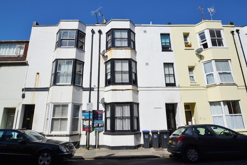 <c:out value='Western Place, Worthing, West Sussex, BN11 3LU'/>